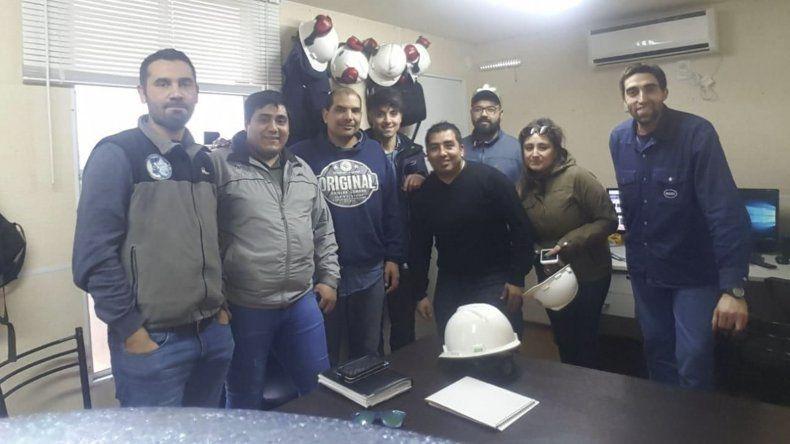 Petroleros Jerárquicos asesora a sus afiliados tanto en su sede de Caleta Olivia como en visitas a los yacimientos.