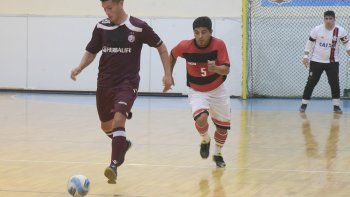 Quince serán los partidos que se disputarán esta tarde en dos gimnasios de Comodoro Rivadavia por el torneo Apertura.