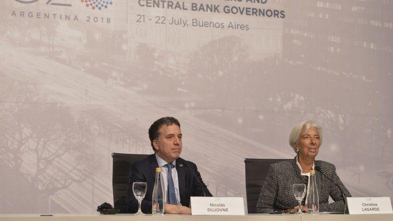 La conferencia que Lagarde brindó junto a Dujovne.