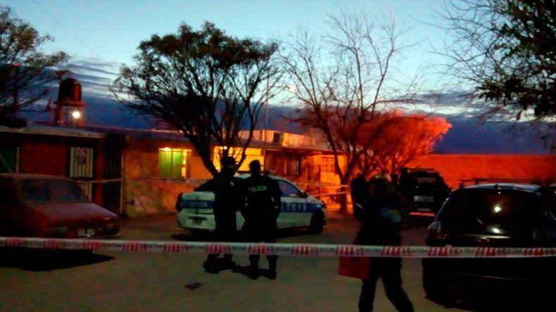 Triple crimen: asesinaron a puñaladas a una mujer, su hija y un nene de 4 años