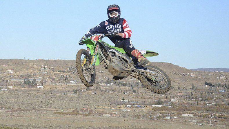 El motocross regional brindó todo su espectáculo en el circuito caletense Sebastián Couto.