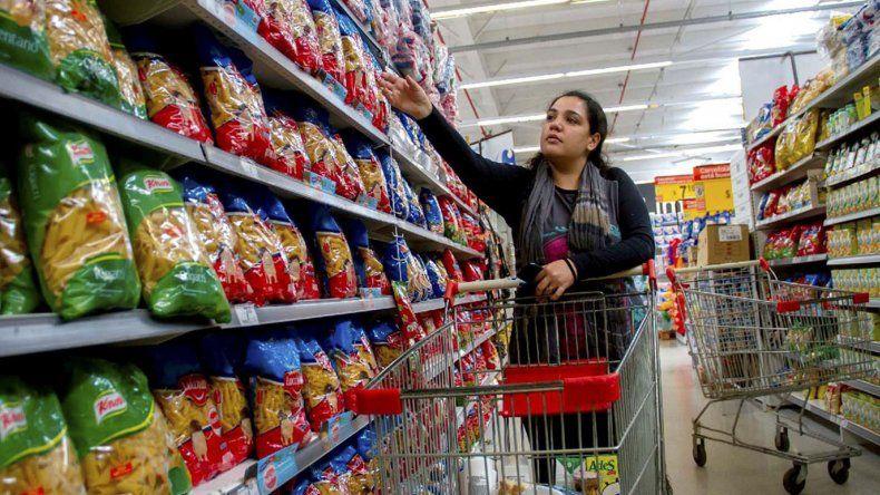 Aumenta la inflación y cada día cuesta más comprar para los argentinos.