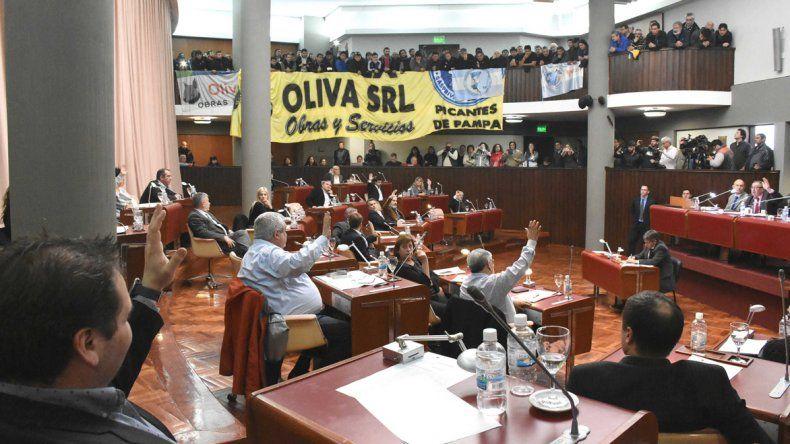 En la Legislatura se aprobó ayer un acuerdo de producción petrolera que implicaría la creación de fuentes de empleo en la Cuenca San Jorge.