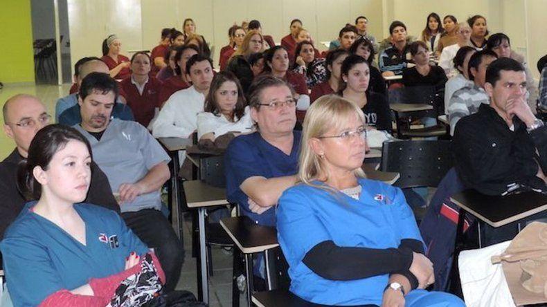 Trabajadores del Hospital de El Calafate fueron citados por autoridades del nosocomio para ser informados de que a mediados de septiembre finalizan sus contratos.