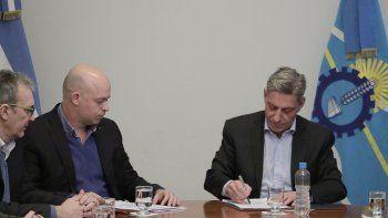 La falta de personal motivó la medida de gobierno que ayer adoptó Arcioni, asesorado por su ministro de Salud.