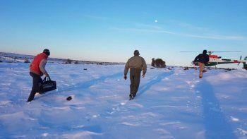Rescataron a siete personas varadas por la  nieve entre Chubut y Río Negro
