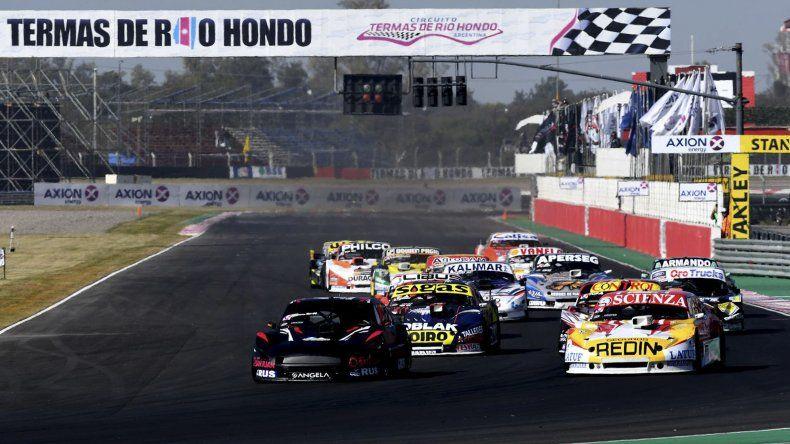 El TC Pista viene de correr su séptima fecha en el autódromo de Termas de Río Hondo donde el vencedor fue Pablo Costanzo.
