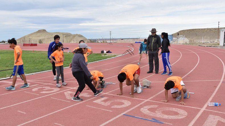 Juegos Comunitarios: Atletismo y Rugby comienzan sus entrenamientos