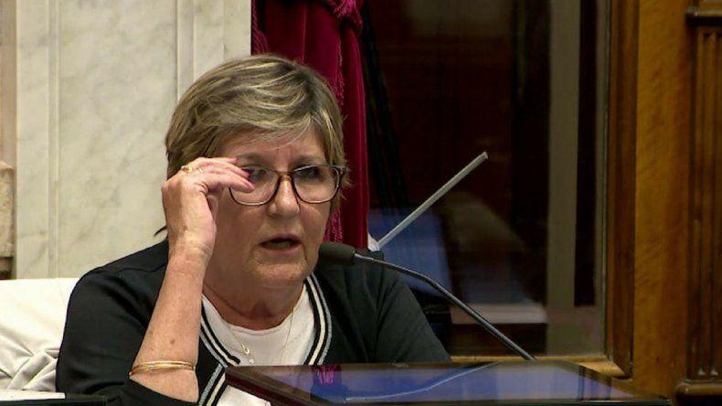 Senadores piden que se derogue el decreto