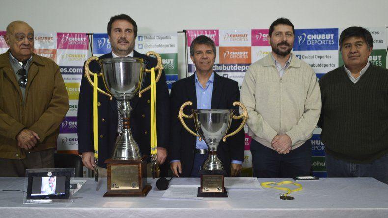 Ayer se hizo la presentación oficial del torneo de fútbol solidario que se llevará a cabo este fin de semana en Rawson