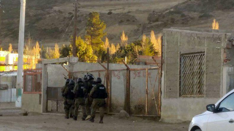 Cinco allanamientos por enfrentamientos en Máximo Abásolo