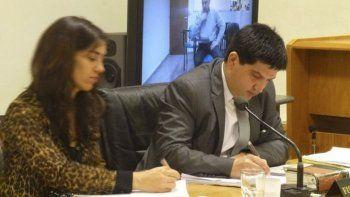 Los funcionarios fiscales argumentaron a favor de mantener bajo prisión al abuelo abusador.
