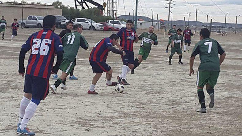 El fútbol de veteranos retornó a la acción entre tres de sus cuatro categorías.