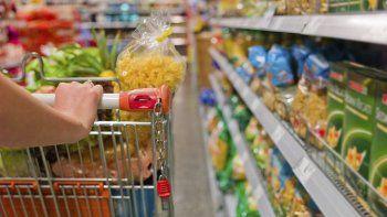 pese a la caida en las ventas, aumentan los supermercados chinos