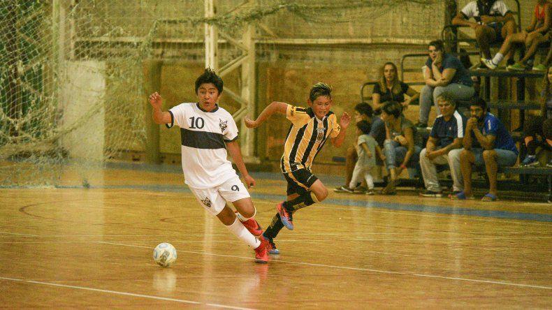 El fútbol de salón de la Asociación Promocional también se encuentra atravesando los tramos finales del torneo Apertura.