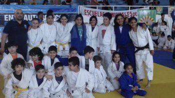 Con apoyo de los padres, la escuela Marcos Garnica del gimnasio municipal 1 viajará hoy a Córdoba.