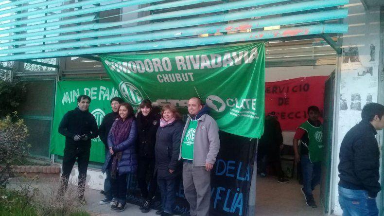 Trabajadores de ATE se manifiestan en la sede de Secretaría de Trabajo.