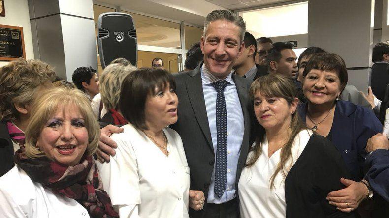 El gobernador Arcioni encabezó el acto por el aniversario del Hospital Regional.
