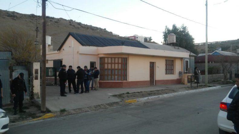 Policías fueron atacados a tiros cuando intentaban detener a un prófugo en Km 4