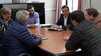 Los directivos de la Federación Económica de Santa Cruz, encabezados por Guillermo Polke, se reunieron ayer con el ministro de Economía, Ignacio Perincioli, y sus colaboradores.