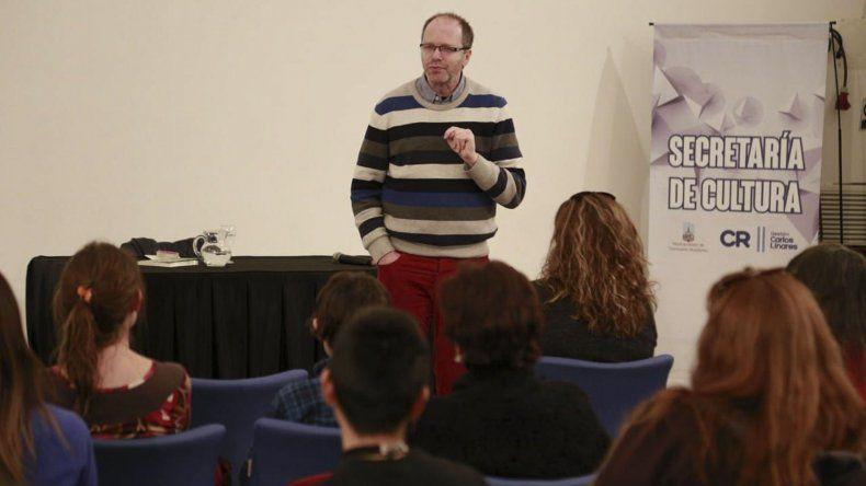 Diego Golombek fue una de las personalidades destacadas que se presentó ayer en la Feria del Libro.
