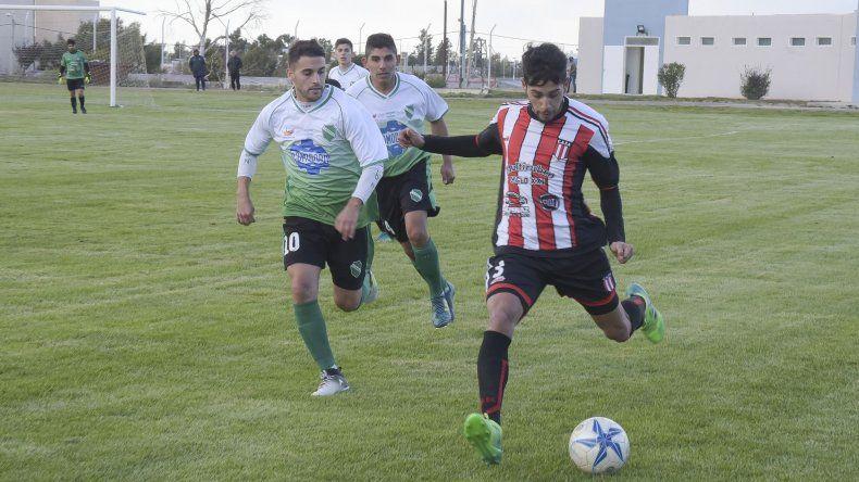 Florentino Ameghino recibirá esta tarde en su campo de juego a Deportivo Roca en un partido donde ambos irán por su primera victoria.