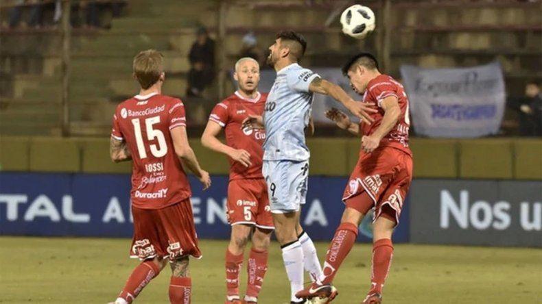 Atlético Tucumán eliminó a Huracán de la Copa Argentina