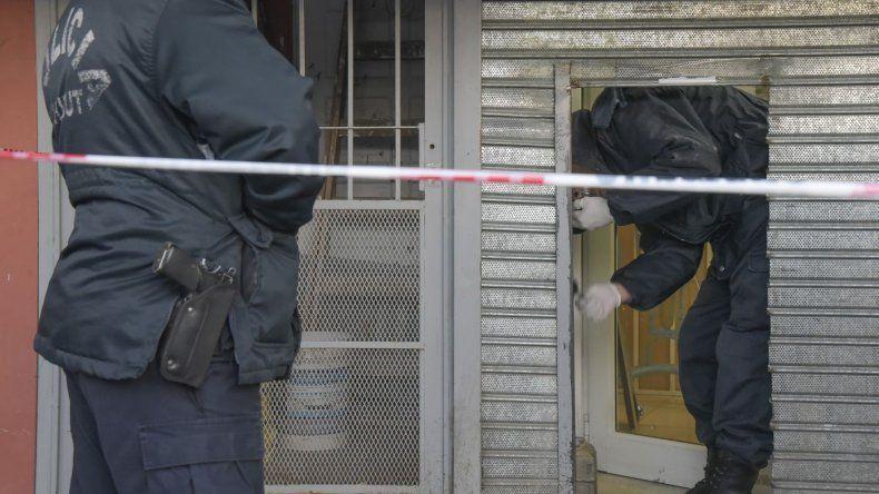 Hallan asesinada a una comerciante  en el depósito de su local de la avenida Kennedy con una bolsa en la cabeza