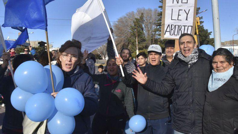 Ayer se produjo una gran concentración en la plazoleta del Gorosito a favor de las dos vidas.