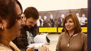 A una disertante le revisaron los libros en Rosario