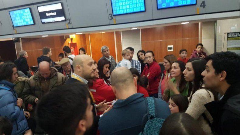 Flybondi dejó varados a 4.000 pasajeros