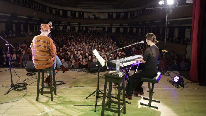 Julieta Venegas llenó el Teatro Español