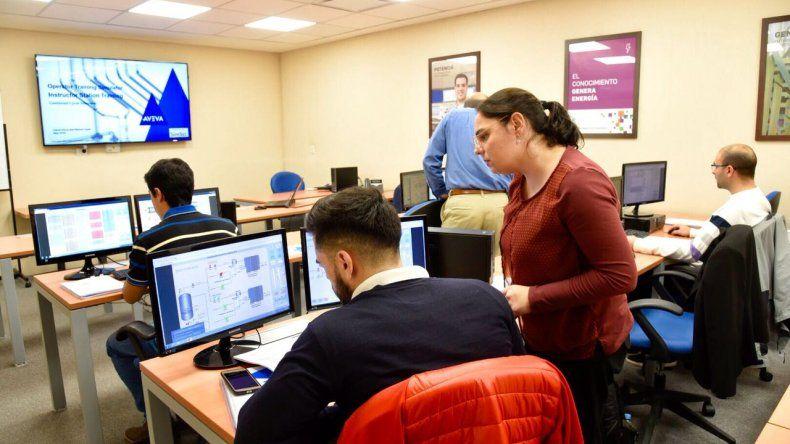 PAE incorporó un simulador único en América Latina para su área de Energía