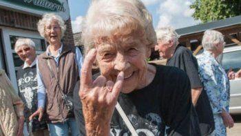 jubilados se escaparon del geriatrico para ir a un festival de heavy metal