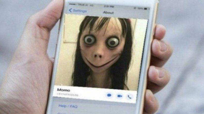 Usan a Momo de WhatsApp como chantaje sexual