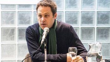 Martín Sivak contó cómo fue escribir sobre su familia, inmersa en la dolorosa historia argentina.