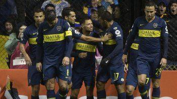 Todos los saludos son para Mauro Zárate, autor del segundo gol de Boca.