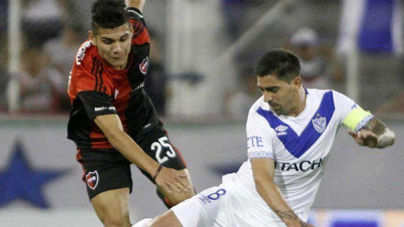 Vélez y Newells se enfrentarán esta tarde en Liniers abriendo de esa manera la Superliga Argentina de Fútbol.