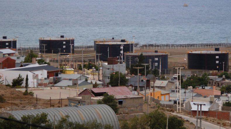 El intendente Prades anunció que se está muy cerca de llegar a un acuerdo con Termap para que la empresa comience a tributar por el espacio que ocupa su playa de tanques.
