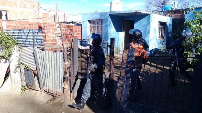 Dos meses de prisión para los presuntos asaltantes del almacén Los Cuatro Patitos