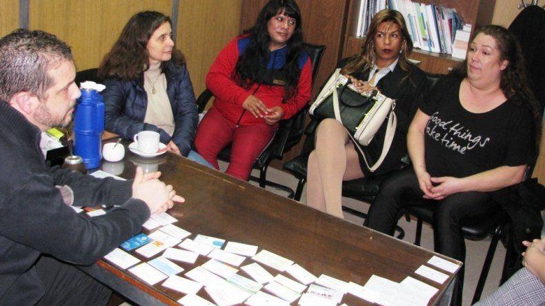 Acuerdan fortalecer la atención integral de las personas trans en la provincia