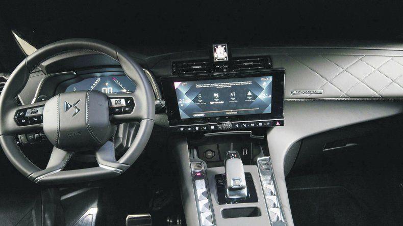 DS7 Crossback SUV premium con diseño francés