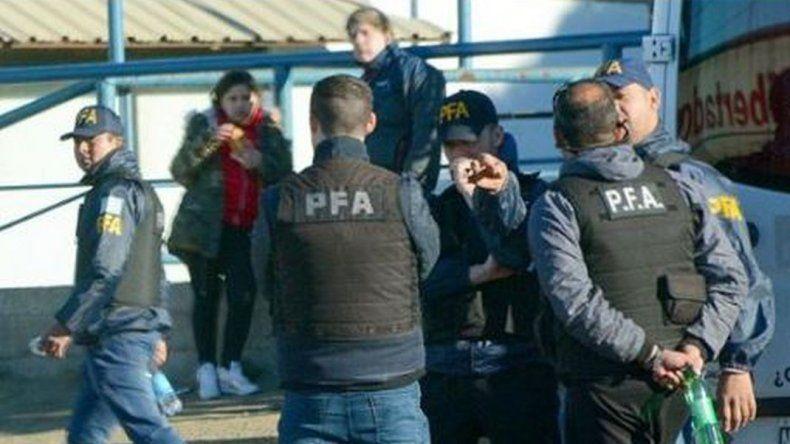 Con apoyo de personal de Chubut realizaron allanamientos por narcotráfico