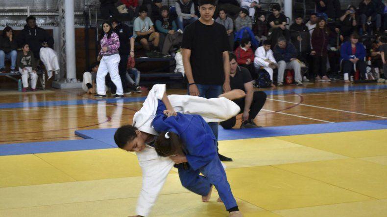 El Encuentro de judo infantil se realizó ayer en el gimnasio municipal 2 con más de cuarenta inscriptos.