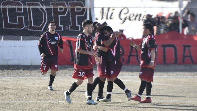 Próspero Palazzo logró ayer ante Ferro su primera victoria en el torneo Final B que le permite quedar como único puntero.