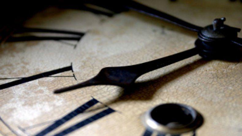 En tiempos de brillos efímeros y de luces menguantes el tiempo es veloz