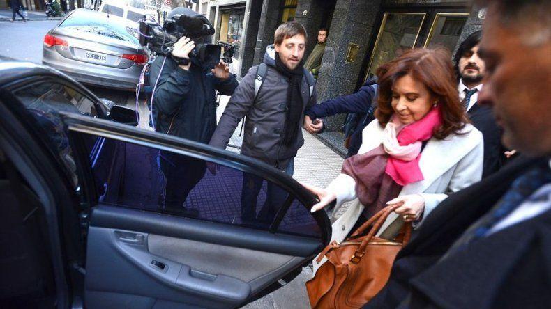 Cristina ya está en Comodoro Py para declarar en la causa por los cuadernos