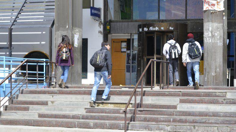 Problemas en la fachada de la Universidad