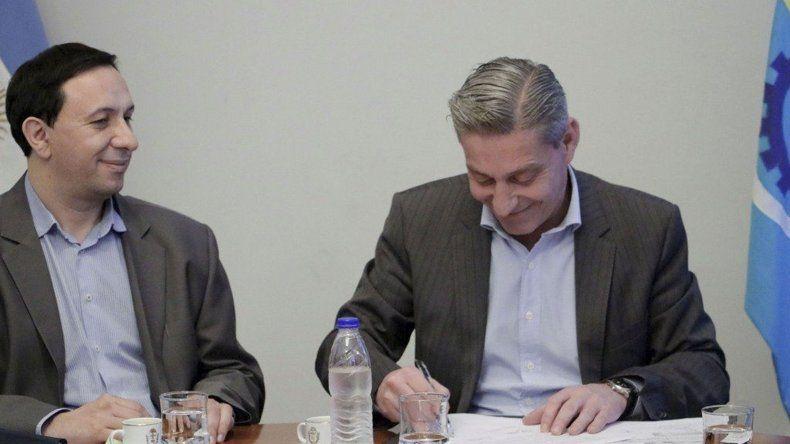 El acuerdo celebrado en Rawson permitirá difundir también al Museo Egidio Feruglio.