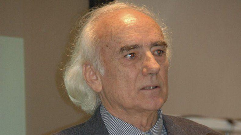 El multimillonario geólogo y oceanógrafo Enrico Bonattu no reside en le Argentina. El Consejo Agrario acordó una audiencia con sus representantes en Buenos Aires para poder destrabar el conflicto.